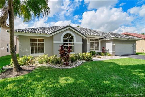 Photo of Listing MLS a10854376 in 10621 NW 18th Dr Plantation FL 33322
