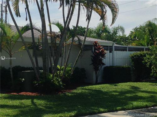 Photo of 163 West Ct #163, Royal Palm Beach, FL 33411 (MLS # A10939378)