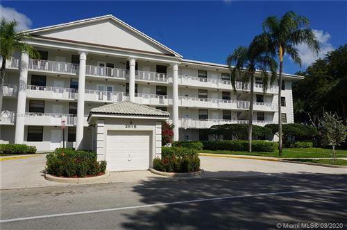 Photo of 3516 Whitehall Dr #306, West Palm Beach, FL 33401 (MLS # A10836379)