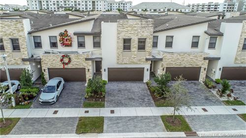 Photo of 10550 NW 79th St, Doral, FL 33178 (MLS # A11006379)