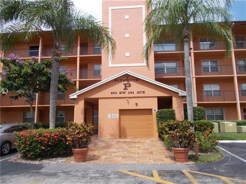 Photo of Pembroke Pines, FL 33027 (MLS # A11056379)