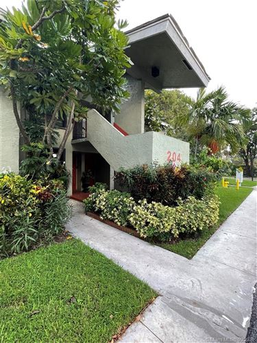 Photo of 204 Lake Pointe Dr #108, Oakland Park, FL 33309 (MLS # A11098379)