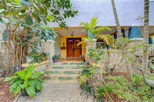 Photo of Listing MLS a10834380 in 2924 Jefferson St Coconut Grove FL 33133