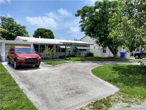 Photo of 416 NE 25th Ave, Pompano Beach, FL 33062 (MLS # A11076380)
