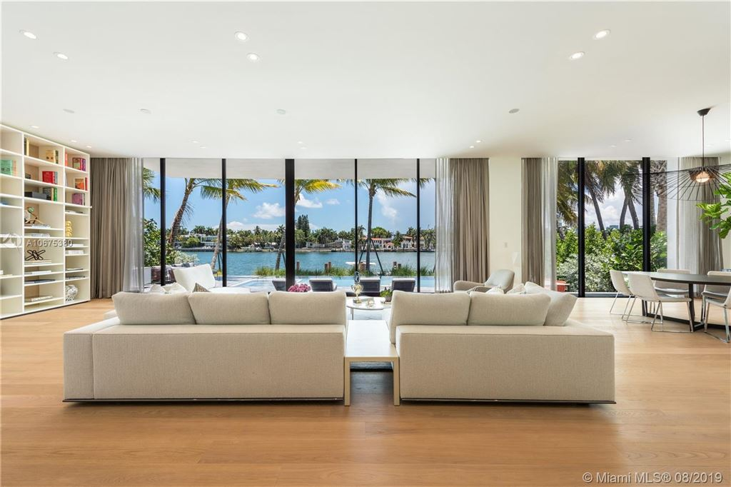Photo 11 of Listing MLS a10675380 in 38 S Hibiscus Dr Miami Beach FL 33139