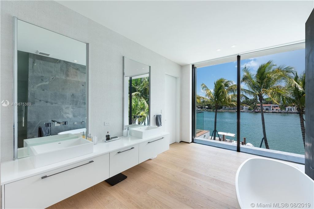 Photo 23 of Listing MLS a10675380 in 38 S Hibiscus Dr Miami Beach FL 33139
