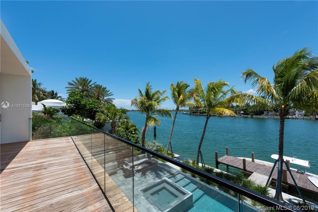 Photo 24 of Listing MLS a10675380 in 38 S Hibiscus Dr Miami Beach FL 33139