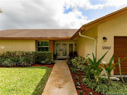 Photo of Listing MLS a10806382 in 12002 Landing Way Cooper City FL 33026