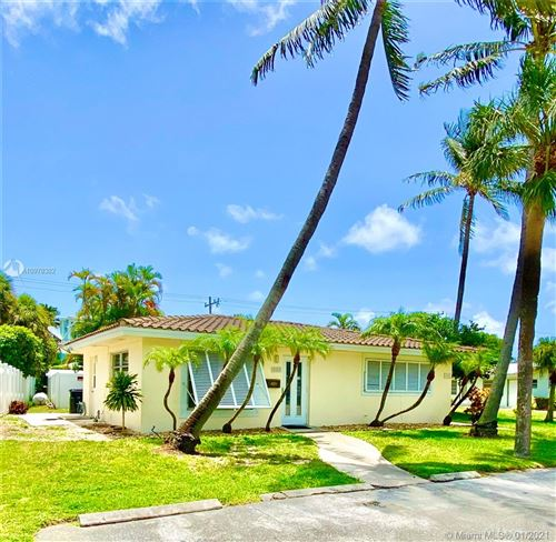 Photo of 4542 Seagrape Dr, Lauderdale By The Sea, FL 33308 (MLS # A10978382)
