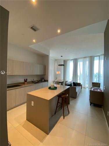 Photo of Hollywood, FL 33019 (MLS # A11051382)