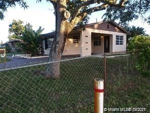 Photo of 2790 SW 3rd St, Fort Lauderdale, FL 33312 (MLS # A11103382)