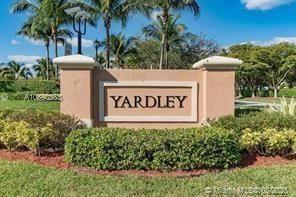 Photo of 7735 Yardley Dr #112, Tamarac, FL 33321 (MLS # A10890383)