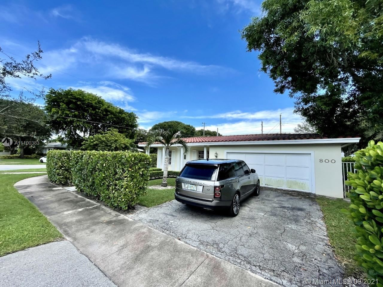 Photo of 800 Benevento Ave, Coral Gables, FL 33146 (MLS # A11100383)