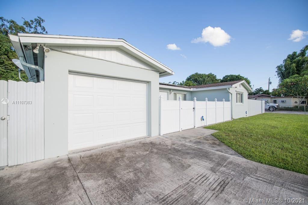 628 Madeline Dr, West Palm Beach, FL 33413 - #: A11107383