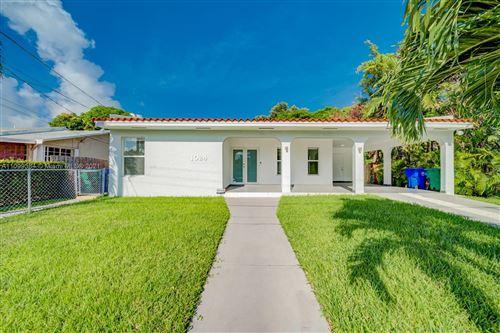 Photo of 1024 SW 13th Ct, Miami, FL 33135 (MLS # A11099384)