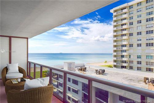 Foto de 5875 Collins Ave #804, Miami Beach, FL 33140 (MLS # A10721385)