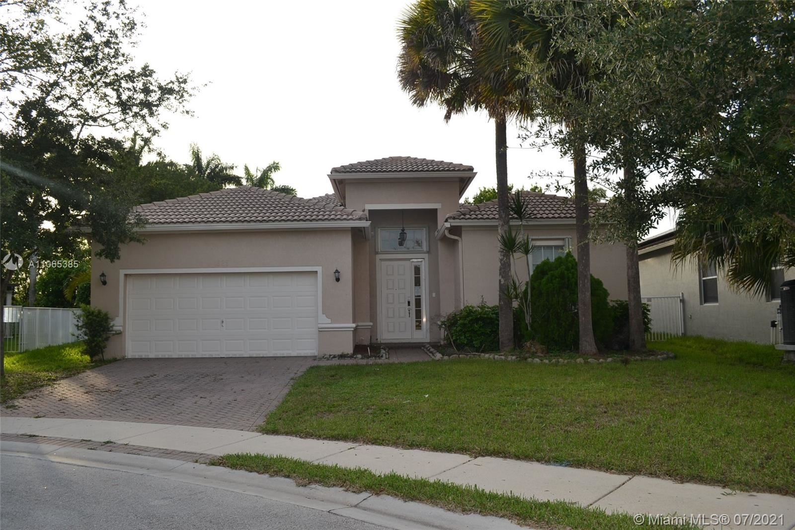 4325 W Whitewater Ave, Weston, FL 33332 - #: A11065385