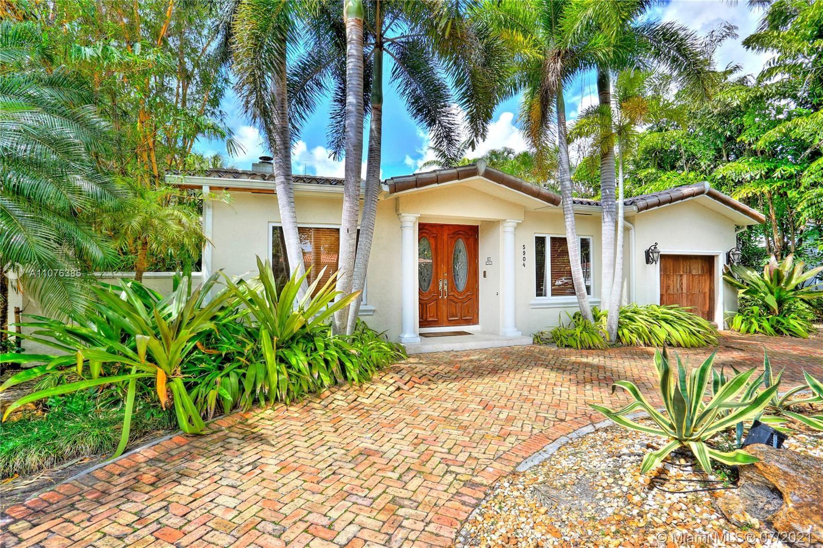 5904 San Vicente St, Coral Gables, FL 33146 - #: A11076385