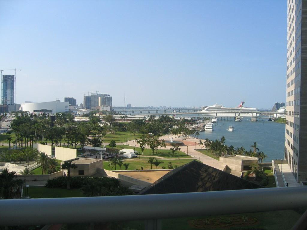 325 S Biscayne Blvd #3524, Miami, FL 33131 - #: A10880386