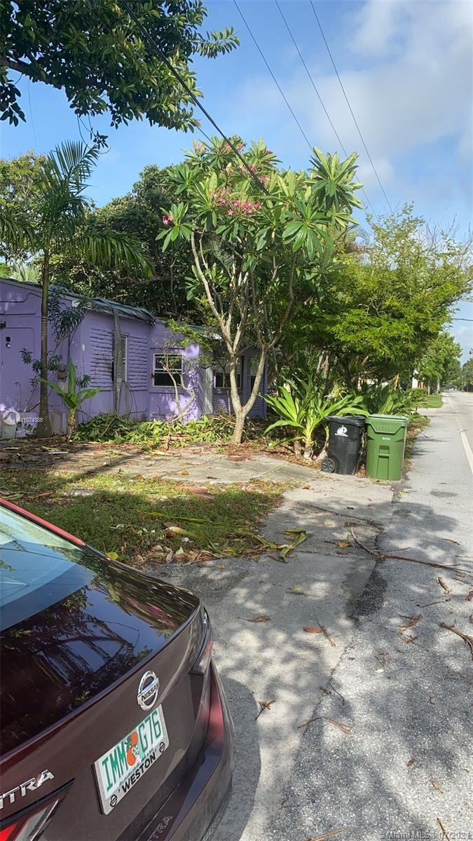 Photo of 120 NW 16th St, Fort Lauderdale, FL 33311 (MLS # A11074386)
