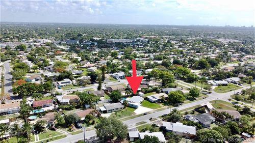 Foto de inmueble con direccion 3649 SW 16th Ct Fort Lauderdale FL 33312 con MLS A10863387