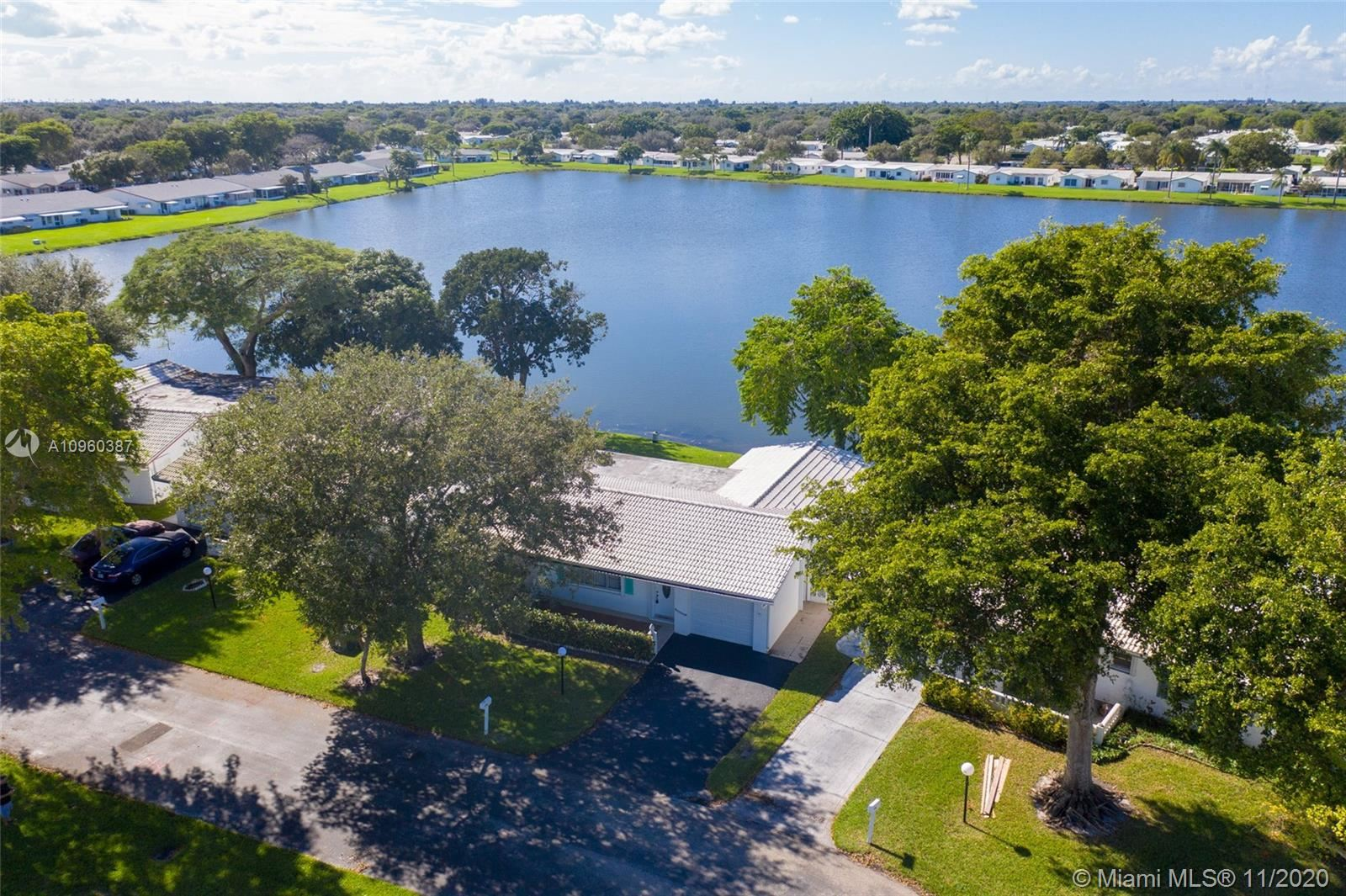 Photo of 1301 NW 85th Ter, Plantation, FL 33322 (MLS # A10960387)