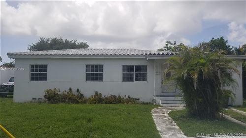 Foto de inmueble con direccion 1020 NE 134th St North Miami FL 33161 con MLS A10919389