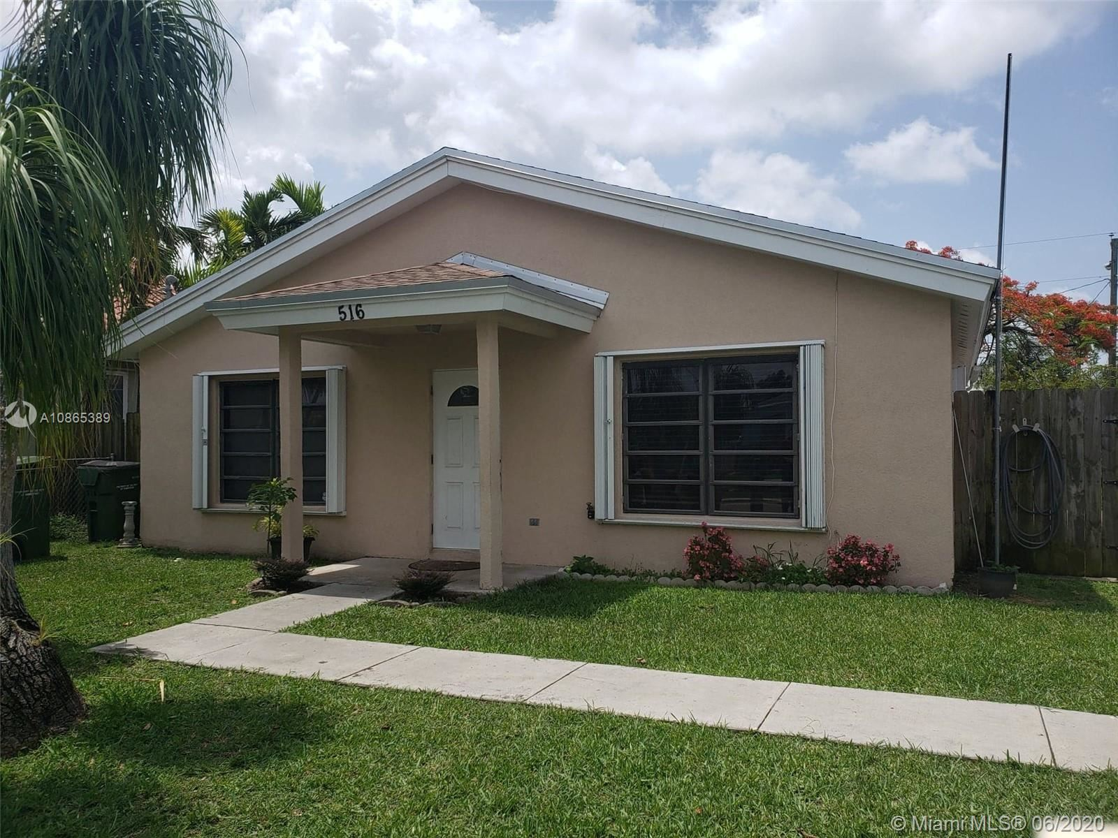Photo of 516 NW 7th St, Homestead, FL 33030 (MLS # A10865389)