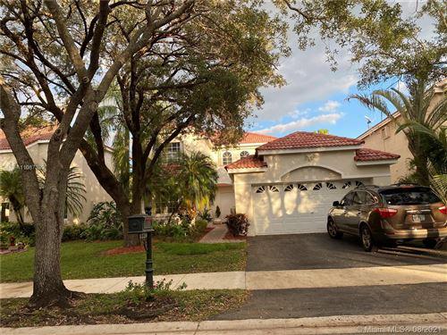 Photo of 1220 Bayview Cir, Weston, FL 33326 (MLS # A11087390)