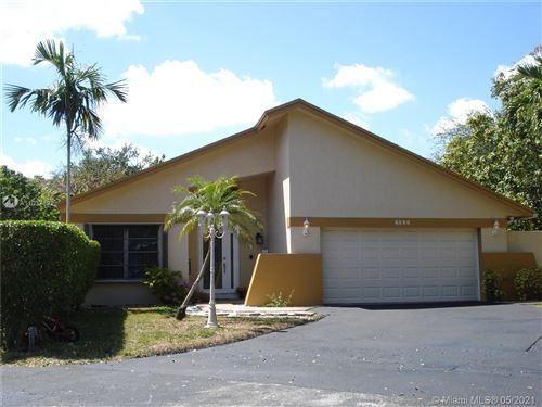 Photo of 6590 SW 13th St, Plantation, FL 33317 (MLS # A11037392)
