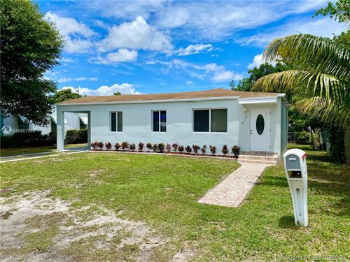 Photo of Listing MLS a10857393 in 517 NW 101st St Miami FL 33150