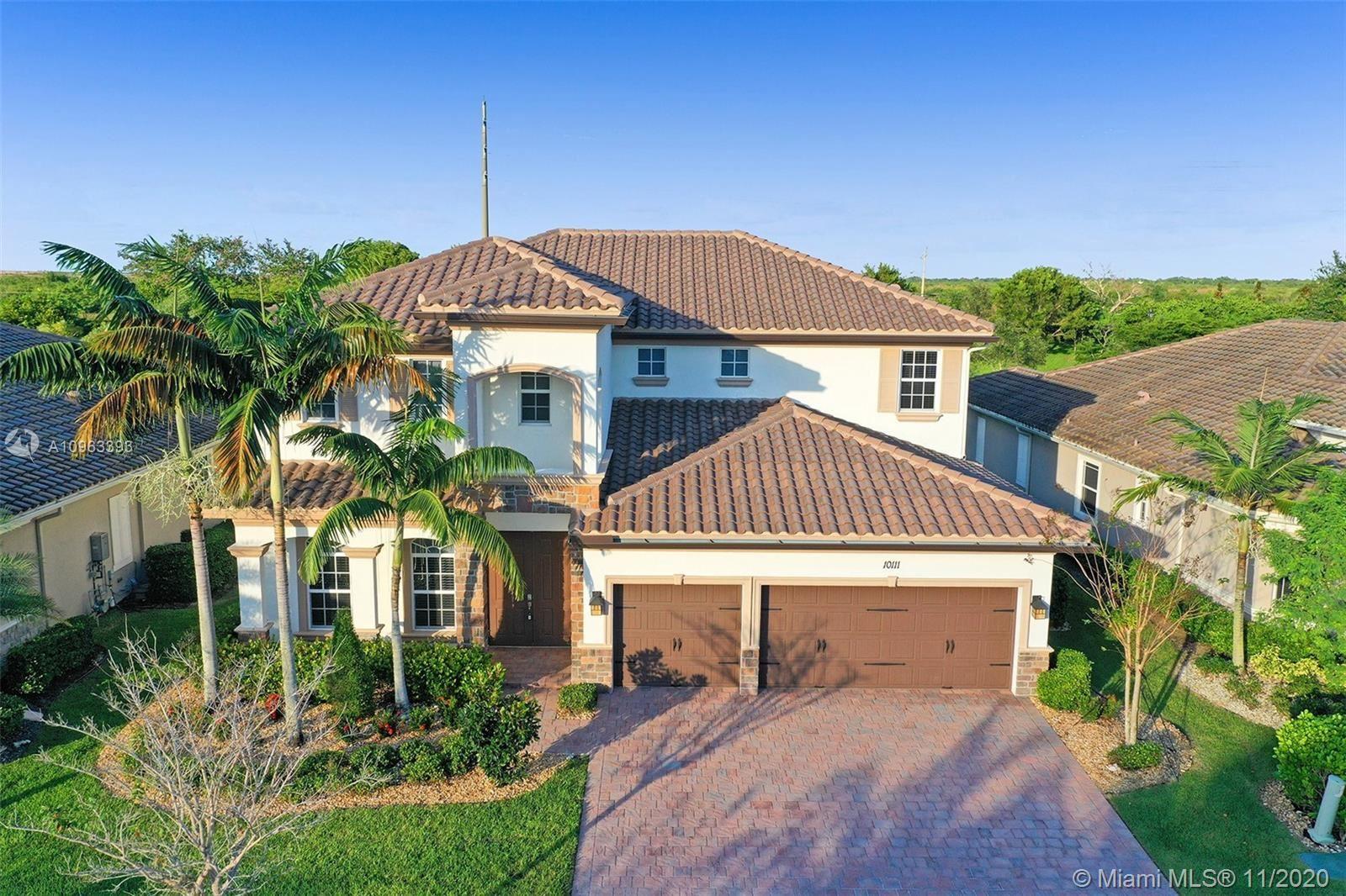 Photo of 10111 Edgewater Ct, Parkland, FL 33076 (MLS # A10963393)