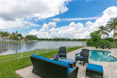 Photo of Listing MLS a10800394 in 1809 Harbor View Cir Weston FL 33327