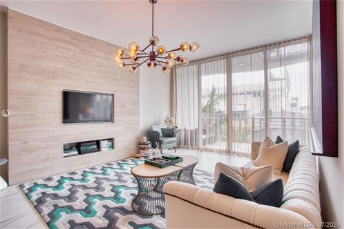 Foto de inmueble con direccion 2100 Park Ave #311 Miami Beach FL 33139 con MLS A10900395