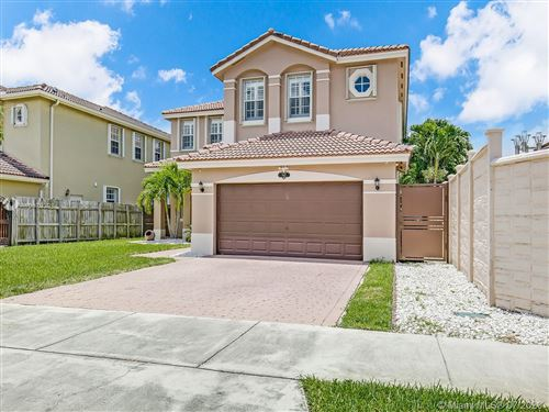 Photo of Listing MLS a10879398 in 942 SW 144th Pl Miami FL 33184