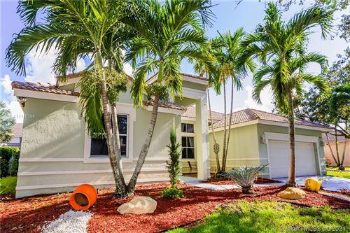 Photo of 970 Greenwood Rd, Weston, FL 33327 (MLS # A11110398)