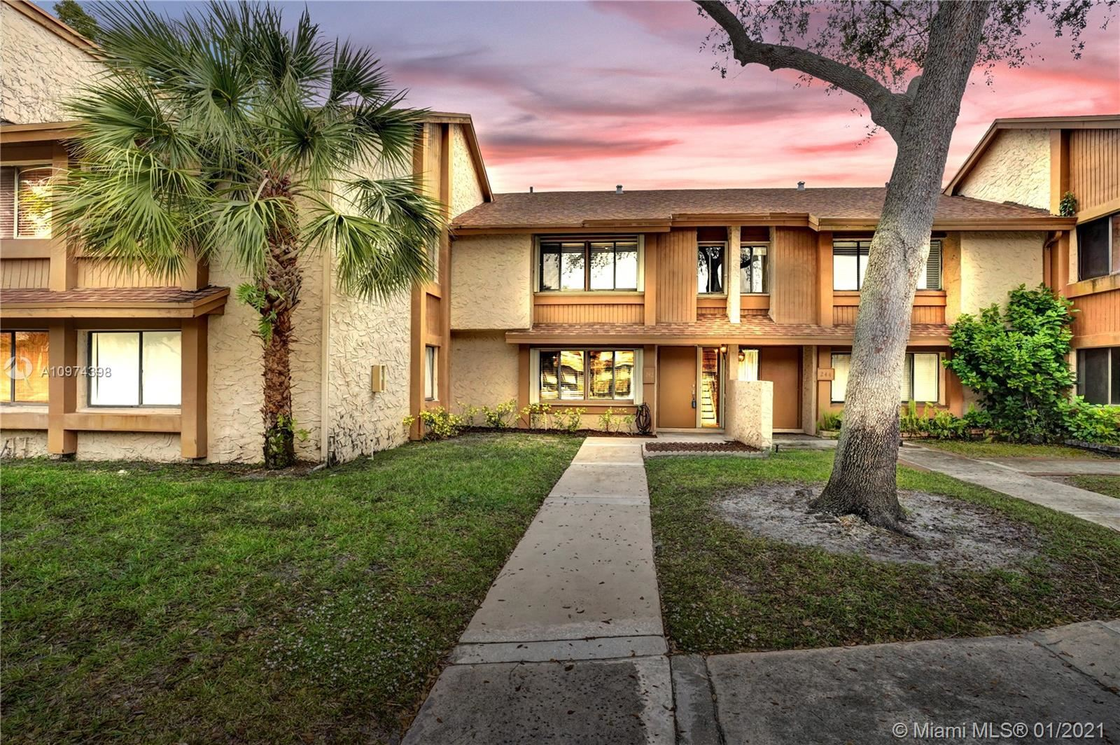 242 Wimbledon Lake Dr #242, Plantation, FL 33324 - #: A10974398