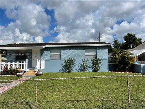 Photo of 6421 Custer St, Hollywood, FL 33024 (MLS # A11111399)