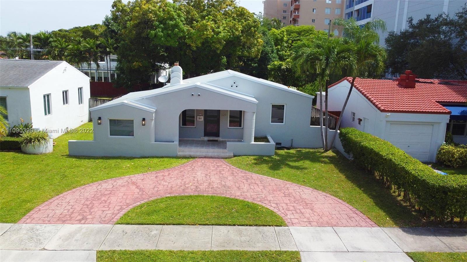329 SW 32nd Rd, Miami, FL 33129 - #: A11090399