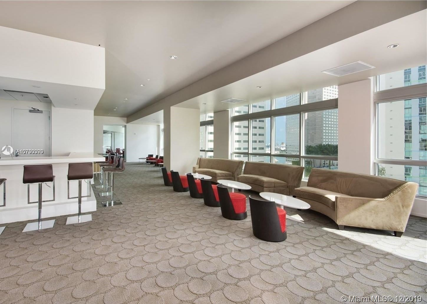 Photo 19 of Listing MLS a10790399 in 300 S BISCAYNE BLVD #L-410 Miami FL 33131