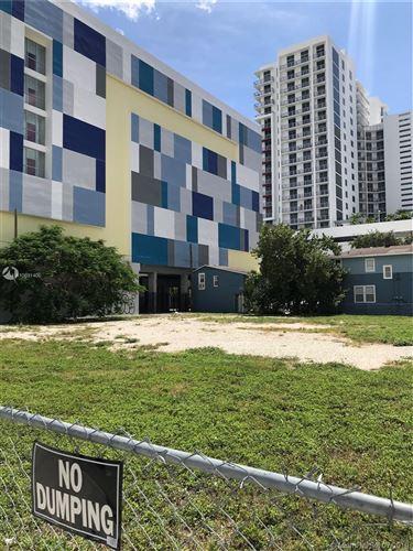 Photo of 215 NE 25 STREET, Miami, FL 33137 (MLS # A10691400)