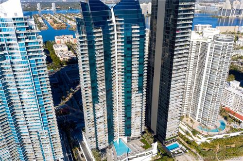Foto de inmueble con direccion 17121 Collins Ave #4605 Sunny Isles Beach FL 33160 con MLS A10815403