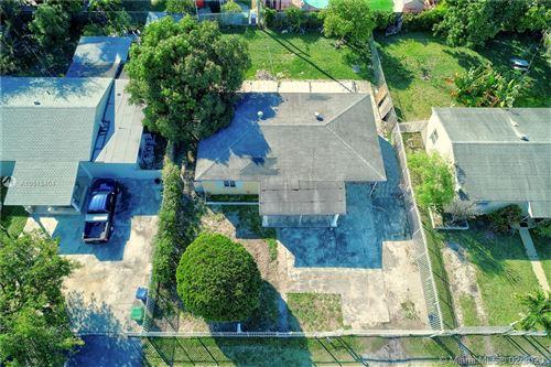 Foto de inmueble con direccion 9330 NW 33rd Ave Miami FL 33147 con MLS A10813404