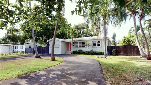 Photo of Listing MLS a10853404 in 6023 SW 61st St South Miami FL 33143