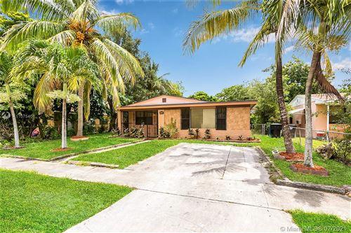 Photo of 15721 NE 15th Pl, North Miami Beach, FL 33162 (MLS # A11075406)