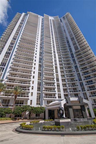 Photo of 901 Brickell Key Blvd #3206, Miami, FL 33131 (MLS # A11029407)