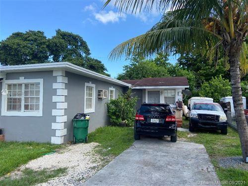 Photo of 9430 SW 39th St, Miami, FL 33165 (MLS # A11079407)