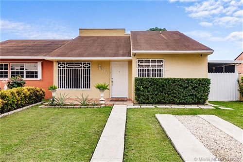 Photo of Listing MLS a10892408 in 517 SW 96 CT Miami FL 33174