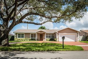 Photo of Listing MLS a10752410 in 5522 SW 115th Ave Cooper City FL 33330