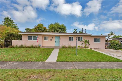 Photo of 2310 SW 89th Ct, Miami, FL 33165 (MLS # A11000410)